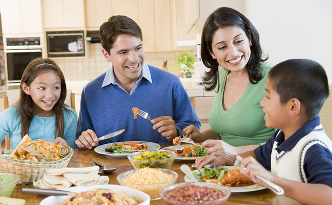 Family Dinner FasTracKids Image