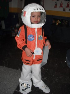 FasTracKids Mexico Child Astronaut Image