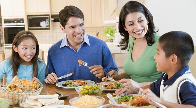 FasTracKids Family Dinner Image